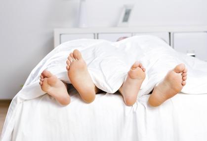 Bettwitze Bett Füße