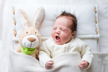 Baby mit Hase