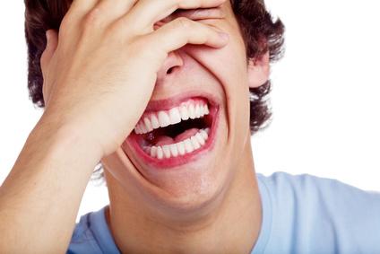 Lachen wegen Kontraste