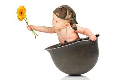 Soldatenwitze - Baby als Friedenssoldat